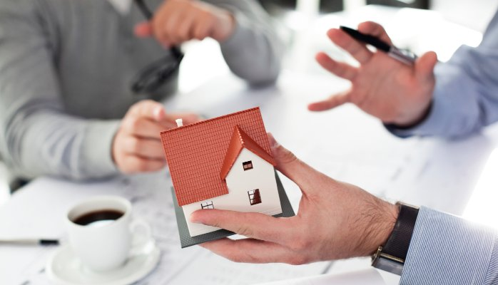 WHAT TO CONSIDER WHEN WORKING WITH REAL ESTATE INDIVIDUALS